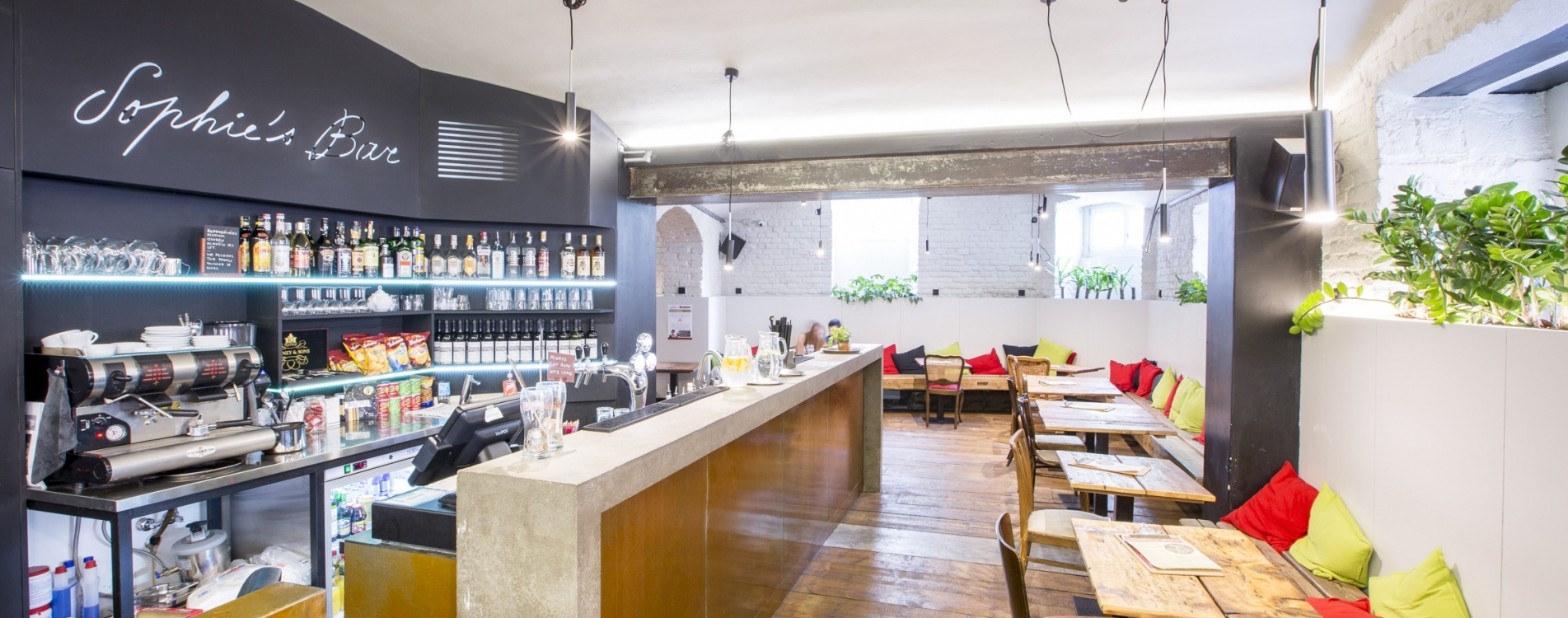 Sophie_s hostel bar